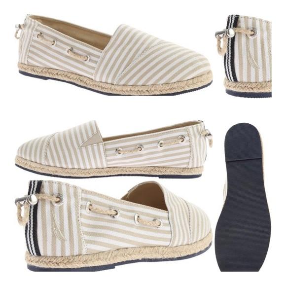 Nautica Seaback Ballet Flats In White